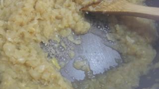 飴色玉ねぎを煮詰めた